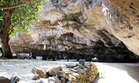 Hang pagoda on Ly Son island