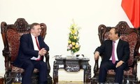 PM urges Vietnam and Hungary to boost ties