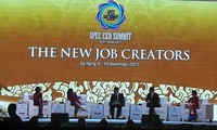 APEC CEOs discuss new job creators