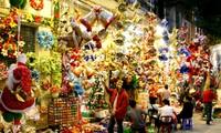 Vietnamese goods dominate Christmas market