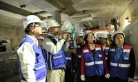 Tet activities for workers held