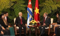 Vietnam's relationship with France, Cuba honored