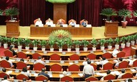 7th session of 12th Party Central Committee continues