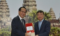 Vietnam, Cambodia promote bilateral trade exchanges