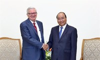PM Nguyen Xuan Phuc receives US Under Secretary of Commerce
