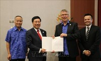 Vietnam enhances ties with New Zealand, Papua New Guinea