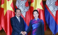 Cambodian PM wraps up visit to Vietnam