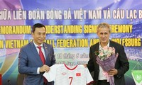 Vietnam, Germany sign football cooperation deal