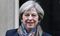 """欧委会主席容克与英国首相特雷莎·梅举行""""建设性""""会谈"""