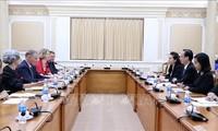 胡志明市与新西兰加强经贸与投资合作