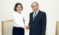 越南政府总理阮春福会见澳大利亚驻越南大使