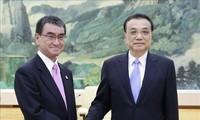 中国国务院总理强调加强中日韩合作关系的重要性