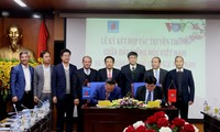 VOV, PetroVietnam ink cooperative agreement