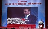 Premier vietnamita reitera el respaldo a los emprendedores jóvenes