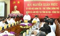 Premier vietnamita reitera dar prioridad a las políticas dedicadas a las personas meritorias
