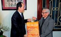 Presidente vietnamita felicita a intelectuales ejemplares de Hanói en ocasión de la Fiesta del Tet
