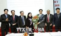 Vicepremier vietnamita se reúne con las autoridades de la salud pública