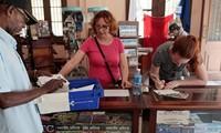 Estados Unidos y Cuba reanudan los servicios postales a través de vuelos directos