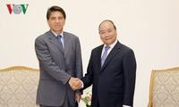Premier vietnamita promete crear condiciones favorables a los inversoses griegos
