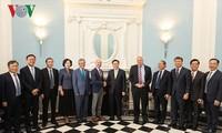 Empresas estadounidenses esperan promover sus actividades comerciales y de inversión en Vietnam