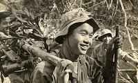 El veterano de guerra Phung Van Quan preserva el legendario bastón de bambú de Truong Son