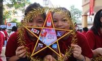 Mil mensajes de amor de alumnos capitalinos hacia Truong Sa
