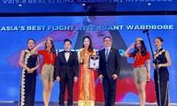 Línea aérea vietnamita Vietjet Air tiene mejor uniforme de azafatas de Asia