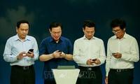 Vietnam lanza campaña de apoyo a pobres a través de mensajes de telefonía móvil