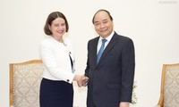 Primer ministro de Vietnam recibe a nueva embajadora australiana