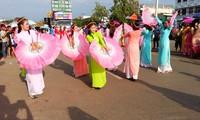 ชุดภาพถ่ายเกี่ยวกับเทศกาลบุญบั้งไฟจากท่าน Nguyễn Văn Tẹo