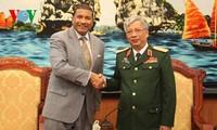 เวียดนามและสหรัฐขยายความร่วมมือด้านกลาโหม
