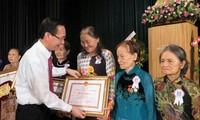 นครโฮจิมินห์ฉลองครบรอบ 85 ปีวันก่อตั้งสหพันธสตรีเวียดนาม