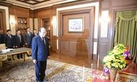 คณะผู้แทนระดับสูงเวียดนามเข้าถวายสักการะพระบรมศพพระบาทสมเด็จพระปรมินทรมหาภูมิพลอดุลยเดช