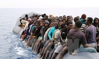 ผู้อพยพกว่า 2 พันคนถูกช่วยชีวิตกลางทะเลเมดิเตอร์เรเนียน