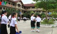 เพิ่มความรักภาษาเวียดนามจากโรงเรียนแห่งหนึ่งในประเทศลาว