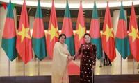 ประธานรัฐสภาบังกลาเทศเสร็จสิ้นการเยือนเวียดนามอย่างเป็นทางการด้วยผลสำเร็จอย่างงดงาม