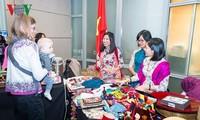 สถานทูตเวียดนามประจำสหรัฐประชาสัมพันธ์วัฒนธรรมเวียดนามให้แก่เพื่อนมิตรชาวต่างชาติ