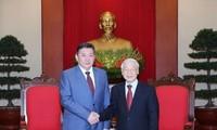 เลขาธิการใหญ่พรรคคอมมิวนิสต์เวียดนามให้การต้อนรับประธานรัฐสภามองโกเลีย