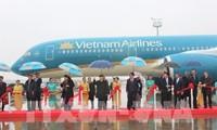 เลขาธิการใหญ่พรรคฯเข้าร่วมพิธีรับเครื่องบินของสายการบินเวียดนามแอร์ไลน์และเวียดเจ็ทแอร์ในฝรั่งเศส