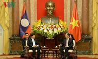 ประธานประเทศ เจิ่นด่ายกวาง ให้การต้อนรับนายกรัฐมนตรีลาว ทองลุน สีสุลิด