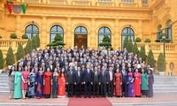 ประธานประเทศ เจิ่นด่ายกวาง พบปะกับหัวหน้าสำนักงานตัวแทนเวียดนามในต่างประเทศ