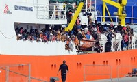 5 ประเทศในยุโรปบรรลุข้อตกลงเกี่ยวกับการรับผู้อพยพบนเรือกู้ภัย Aquarius