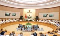 นายกรัฐมนตรี เหงียนซวนฟุก เป็นประธานการประชุมของรัฐบาลเกี่ยวกับการจัดทำกลไก
