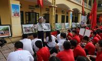 สาส์น 1 พันข้อแห่งความรักของนักเรียนกรุงฮานอยในวันเปิดเทอมปีการศึกษาใหม่มุ่งใจสู่เจื่องซาหรือสเปรตลีย์