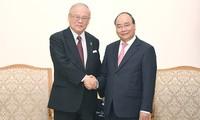 นายกรัฐมนตรี เหงียนซวนฟุก ให้การต้อนรับที่ปรึกษาสหภาพส.ส มิตรภาพญี่ปุ่น-เวียดนาม