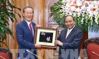 นายกรัฐมนตรี เหงียนซวนฟุก ให้การต้อนรับประธานสหภาพอุตสาหกรรมสาธารณรัฐเกาหลี