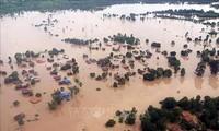 สถานประกอบการเวียดนามให้การช่วยเหลือประชาชนลาวในเขตที่ได้รับความเสียหายจากเหตุเขื่อนแตก
