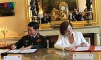เวียดนาม-ฝรั่งเศสลงนามแถลงการณ์ร่วมเกี่ยวกับความร่วมมือด้านกลาโหมในช่วงปี 2018-2028