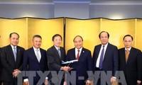 นายกรัฐมนตรีให้การต้อนรับผู้ประกอบการนอกรอบการประชุมสุดยอดแม่น้ำโขง-ญี่ปุ่นและเยือนญี่ปุ่น