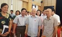 เลขาธิการใหญ่พรรคคอมมิวนิสต์เวียดนาม เหงียนฟู้จ่อง ลงพื้นที่พบปะกับผู้มีสิทธิ์เลือกตั้งกรุงฮานอย